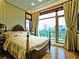 美式卧室别墅窗帘装修效果展示