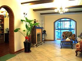 地中海客厅吊顶沙发茶几图片