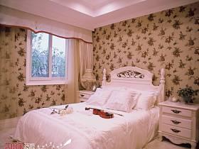 法式卧室别墅吊顶窗帘设计案例