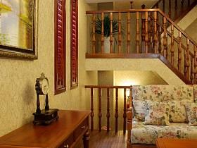 客厅跃层吊顶楼梯沙发实木家具案例展示
