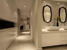 现代卫生间装修图