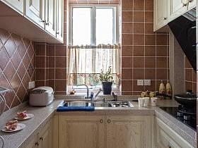 清新廚房桌子儲物柜案例展示