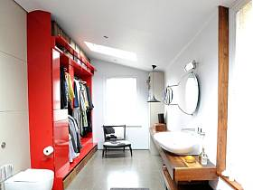 現代簡約閣樓衣帽間衛浴設計案例