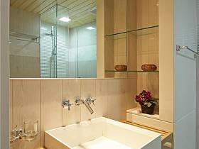 现代简约卫生间吊顶设计方案
