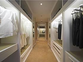 现代简约衣帽间走廊设计案例展示