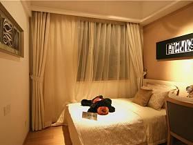 現代簡約臥室裝修案例
