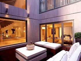 现代简约阳台多功能室设计案例展示