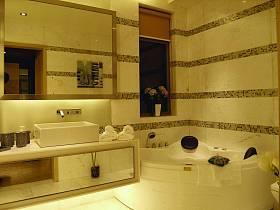 现代简约浴室淋浴房装修图