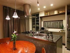 清新自然餐厅厨房窗帘植物餐桌木质餐桌设计案例展示