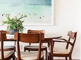 现代植物餐桌装修图