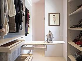 现代简约衣帽间走廊案例展示