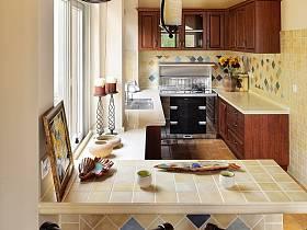 歐式田園廚房吧臺設計方案