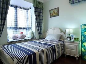 窗帘白色家具装修案例